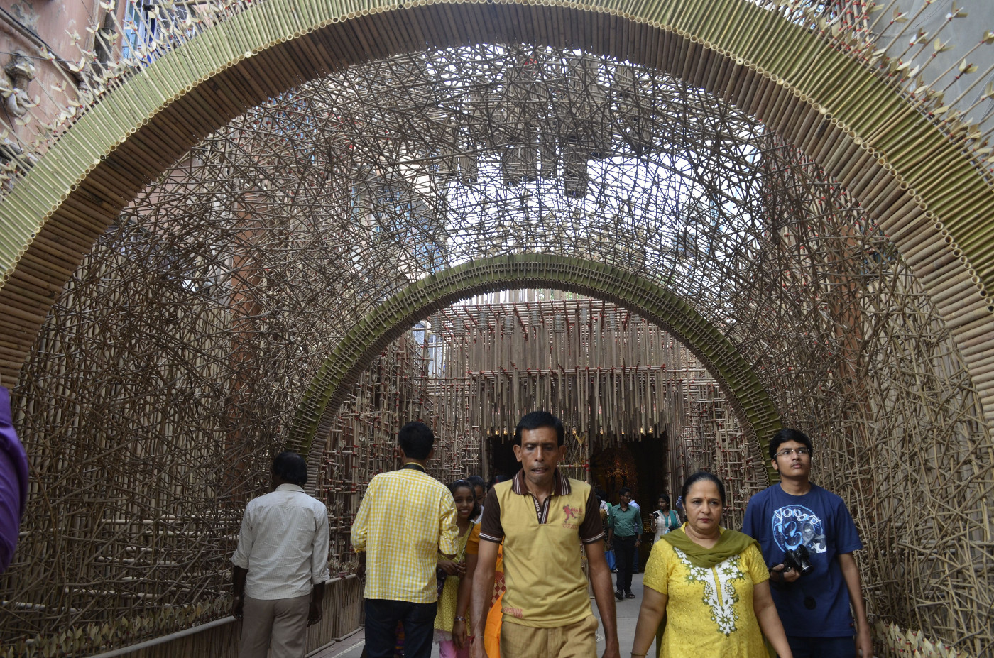 Surprisingly colorless gate to be lighted up later, Durga Puja 2015